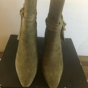 New Banana Republic Suede Boots Size 8.5